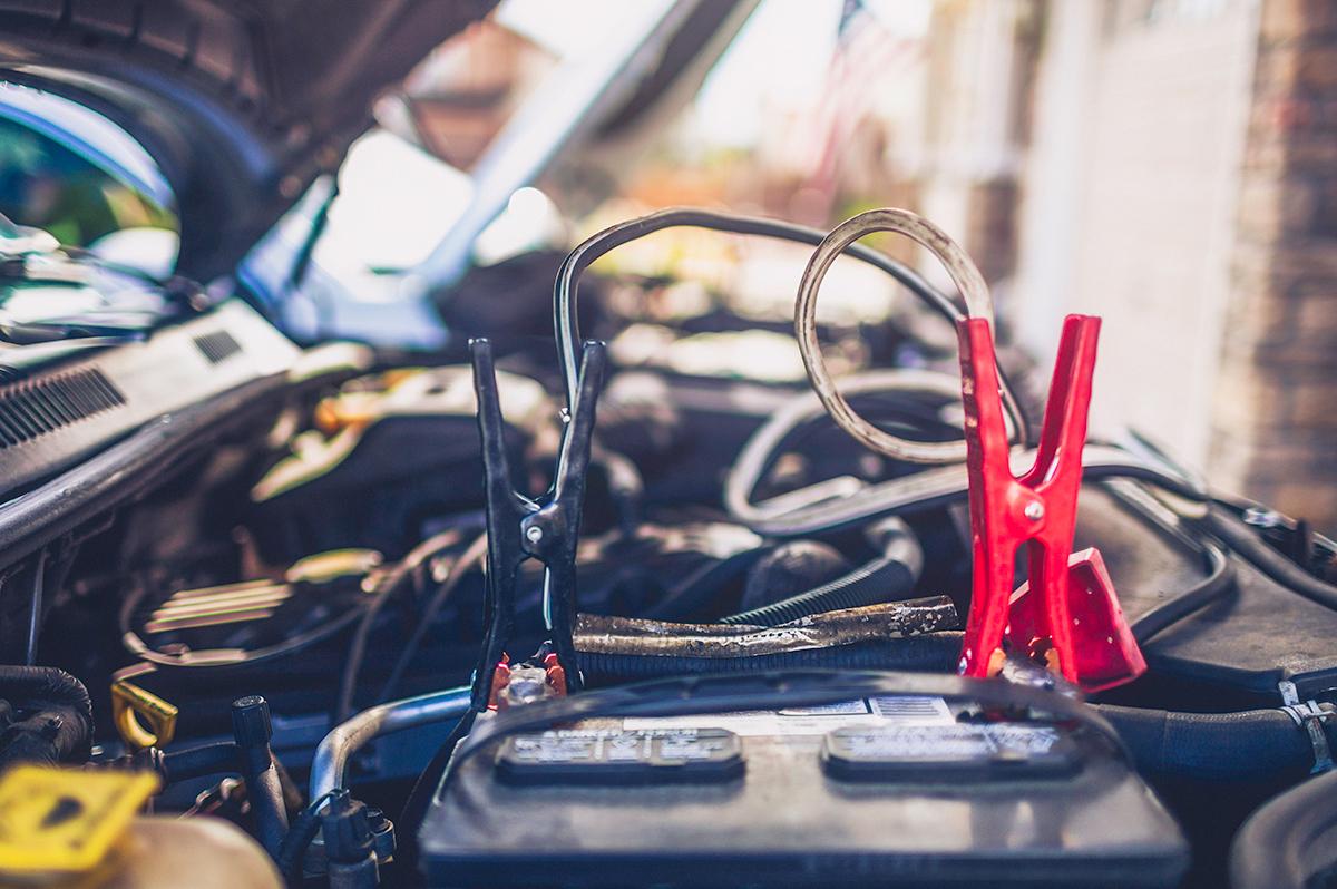 車のバッテリーはいつ交換する?交換費用と費用を抑えるポイントをチェック!