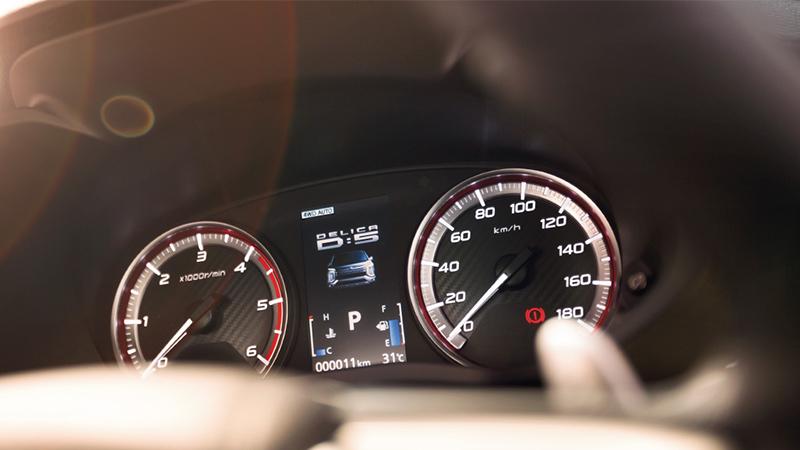 新型デリカの新車価格とカタログ燃費