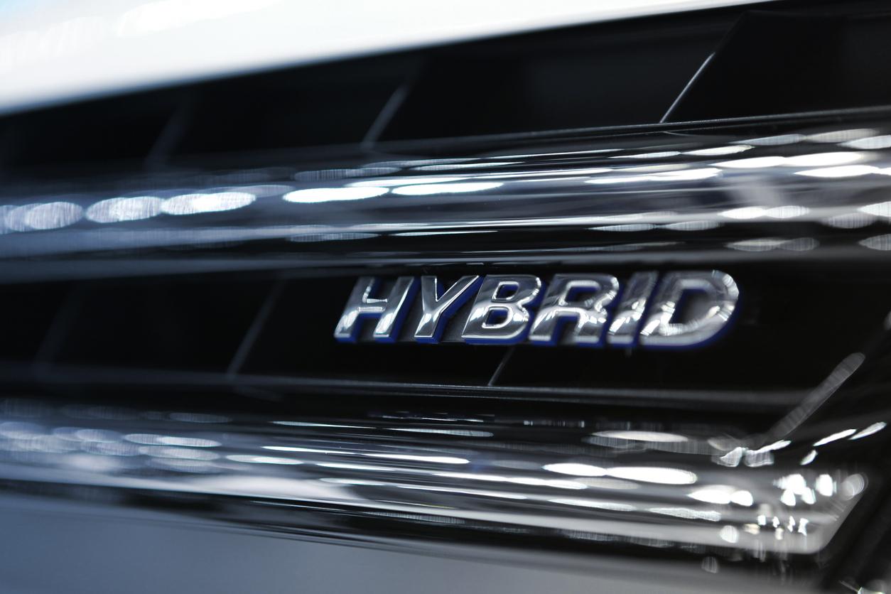 ハイブリッドカーは低燃費で減税もある?メリット・デメリットを解説!